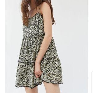 🎉UO Hannah Scallop Babydoll Mini Dress